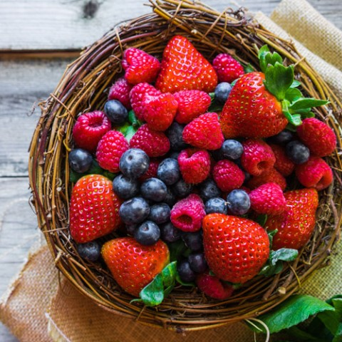 borneoacacia-mixed-berries-honey